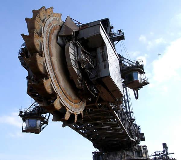 Siêu máy xúc Made in Germany và ngôi vị cỗ máy tự hành lớn nhất thế giới suốt 39 năm - Ảnh 3.