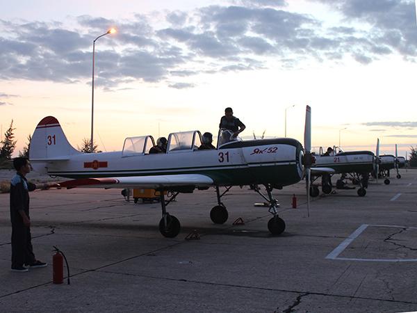 Lữ đoàn 918 và Trung đoàn 920 tổ chức ban bay đầu Xuân - Ảnh 2.