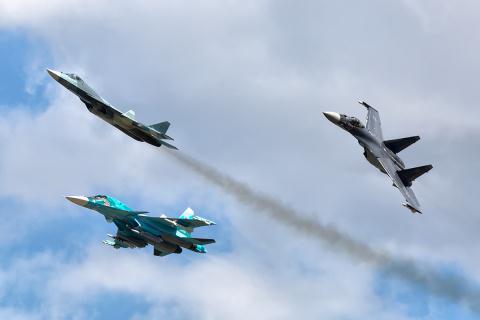 Mỹ chỉ nguyên nhân khiến Nga chưa thể trang bị T-50 - Ảnh 1.