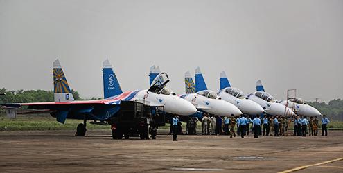 Phi đội tiêm kích đa năng Su-30SM mới tinh chuẩn bị đáp xuống sân bay Nội Bài? - Ảnh 3.