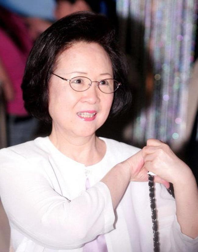 Nữ sĩ Quỳnh Dao viết tâm thư xúc động dặn dò con cái lo chuyện hậu sự - Ảnh 1.