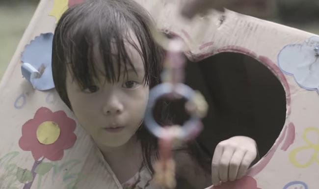 Cha mẹ nào cũng cần xem clip 12 phút ám ảnh này: Đứa trẻ bị bắt cóc bởi kẻ ấu dâm trong tích tắc - Ảnh 3.