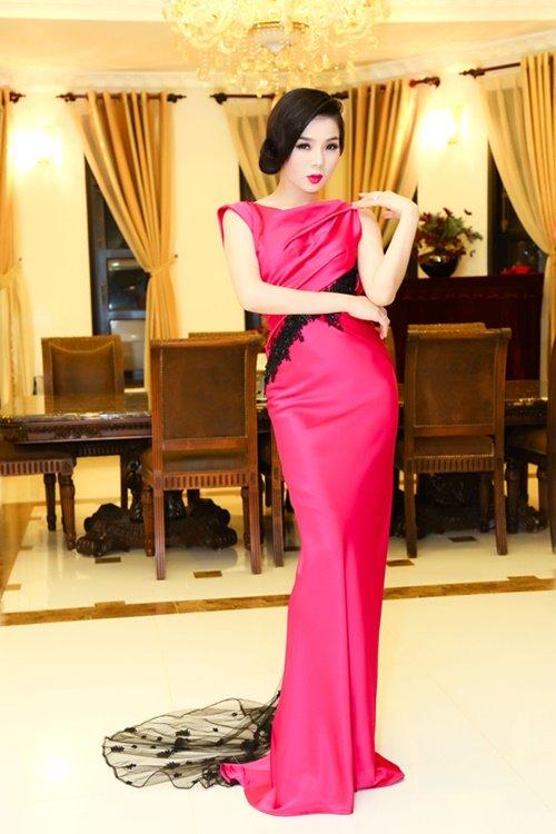 Nữ hoàng Bolero Lệ Quyên - đại gia ngầm của showbiz Việt - Ảnh 2.