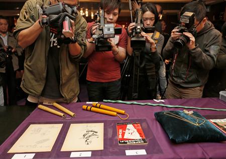2 tỷ và thông tin ít người biết về bộ quần áo huyền thoại của Lý Tiểu Long - Ảnh 5.