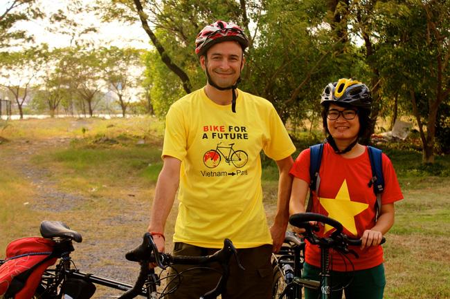Hành trình 291 ngày, 15.000km, 11 quốc gia, 1 lần suýt chết, và cái kết có hậu của cô gái đạp xe từ Việt Nam - Ảnh 2.