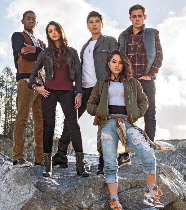 Power Rangers: Có một tuổi thơ dữ dội mang tên 5 anh em siêu nhân - Ảnh 9.