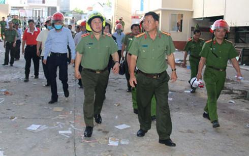 Thứ trưởng Bộ Công an trực tiếp kiểm tra hiện trường vụ cháy ở Cần Thơ - Ảnh 1.