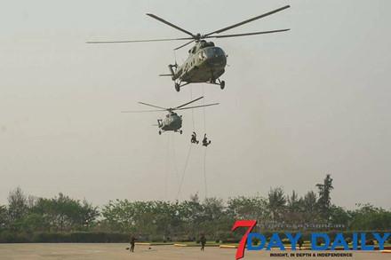 Quân đội Myanmar phô trương sức mạnh vũ khí trong cuộc duyệt binh - Ảnh 1.