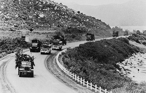 Mệnh lệnh lúc 0h30: Thần tốc, phá tan cánh cửa thép, mở đường để đại quân tiến về phía Nam - Ảnh 3.