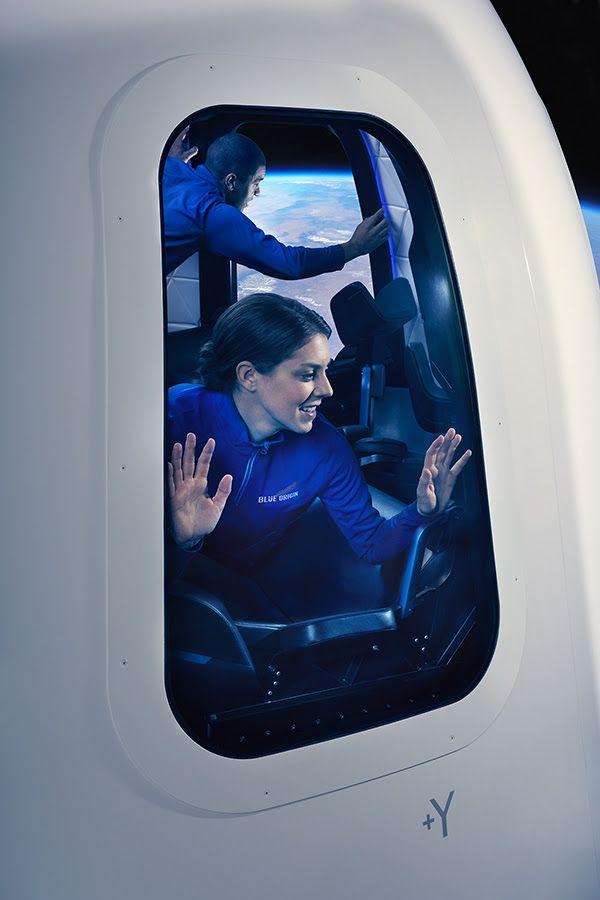 Cùng khám phá bên trong con tàu vũ trụ sẽ đưa hành khách lên không gian - Ảnh 1.