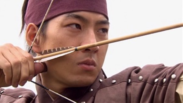 Dàn sao Truyền thuyết Jumong sau 10 năm: Người thành sao hạng A, kẻ rút lui khỏi làng giải trí - Ảnh 2.