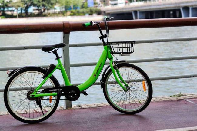 Hong Kong: Vừa mới đưa vào hoạt động, 3 chiếc xe đạp công cộng đã bị ném xuống sông - Ảnh 2.