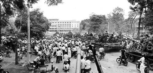 Kinh nghiệm bảo đảm thông tin liên lạc vô tuyến điện trong Chiến dịch Hồ Chí Minh - Ảnh 1.