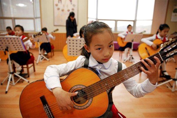 Hình ảnh hiếm về tuổi thơ của trẻ em Triều Tiên - Ảnh 10.