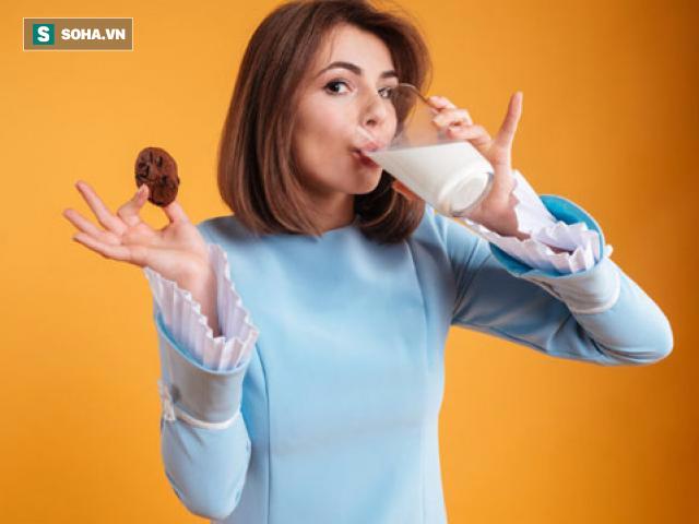 Sữa rất tốt, nhưng uống buổi sáng hay buổi tối là tốt nhất? - Ảnh 1.
