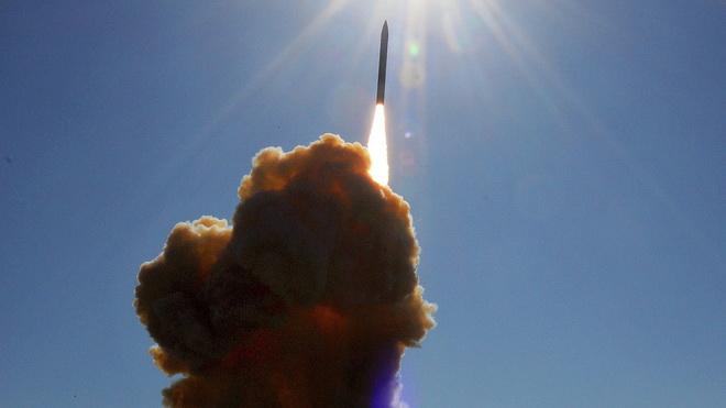 Lạnh gáy trước sức mạnh của siêu tên lửa đáng sợ nhất thế giới - Ảnh 1.