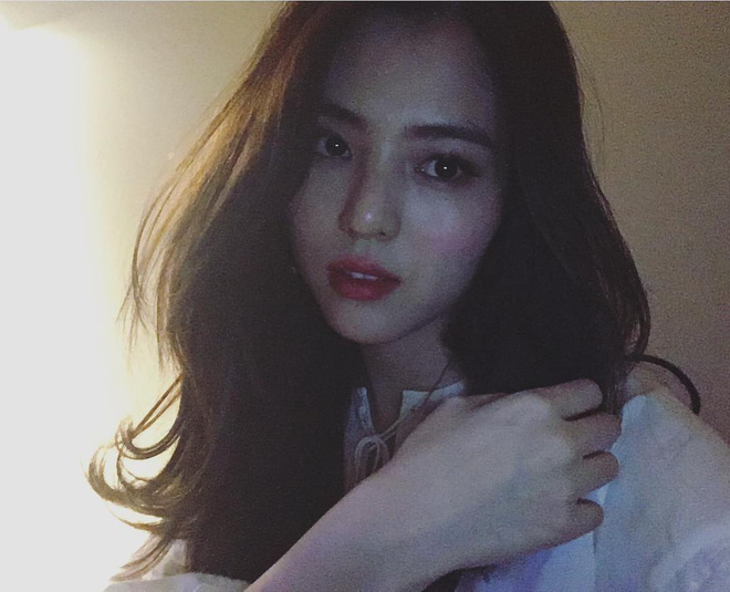 Vẻ ngoài vừa ngọt ngào, vừa cá tính của cô bạn Hàn Quốc từng góp mặt trong MV Tell Me What To Do (SHINee) - Ảnh 3.