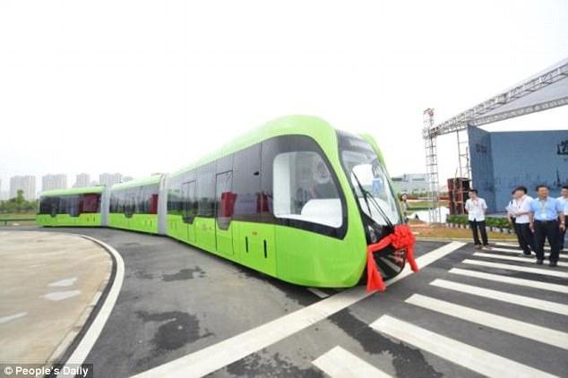 Tàu không cần đường ray - Thiết kế đường sắt tương lai đến từ Trung Quốc - Ảnh 2.