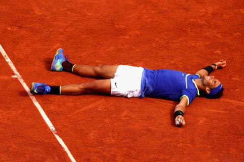 Rafa Nadal lần thứ 10 vô địch Roland Garros, vượt Sampras về số lần giành Grand Slam - Ảnh 3.