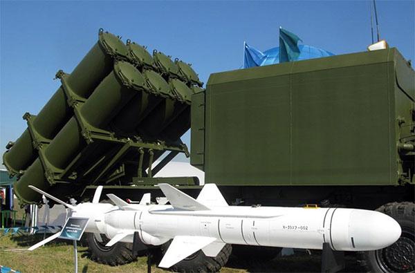 Vì sao tổ hợp tên lửa Bal-E được coi là loại vũ khí không có đối thủ? - Ảnh 1.