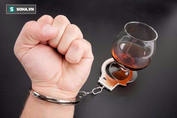 Sức tàn phá khủng khiếp của rượu ngay cả khi không nghiện: Ai uống rượu cũng cần biết - Ảnh 2.