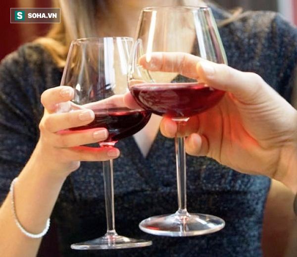 Sức tàn phá khủng khiếp của rượu ngay cả khi không nghiện: Ai uống rượu cũng cần biết - Ảnh 1.