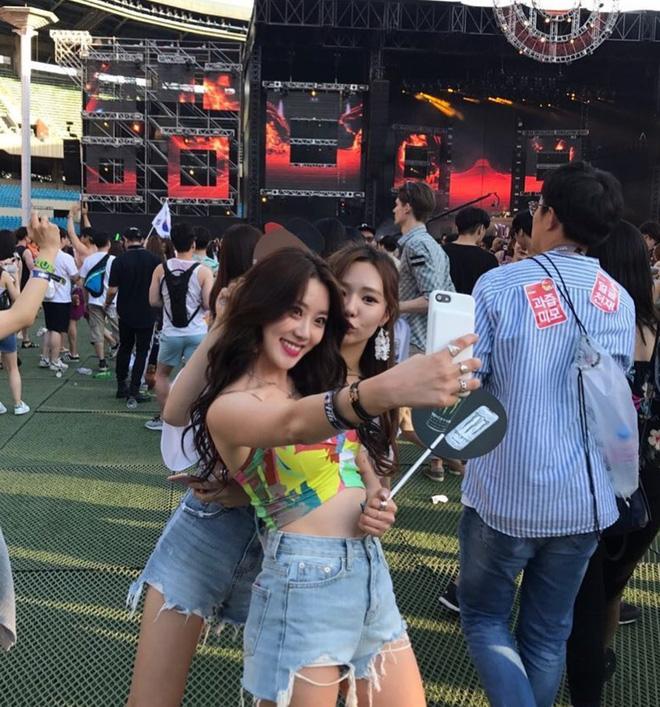 30s nhảy cực bốc trước ống kính, cô gái Hàn bất ngờ được chú ý tại Việt Nam - Ảnh 1.