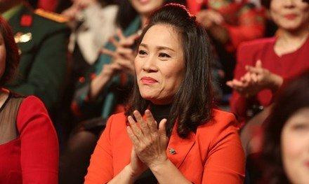 Nhà báo Tạ Bích Loan thay thế Lại Văn Sâm ở VTV3 - Ảnh 2.