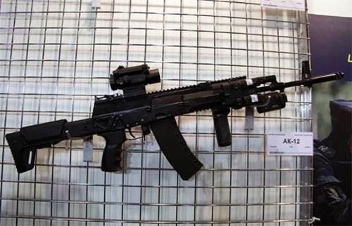 Quân đội Nga sẽ được trang bị súng trường AK-12 - Ảnh 1.