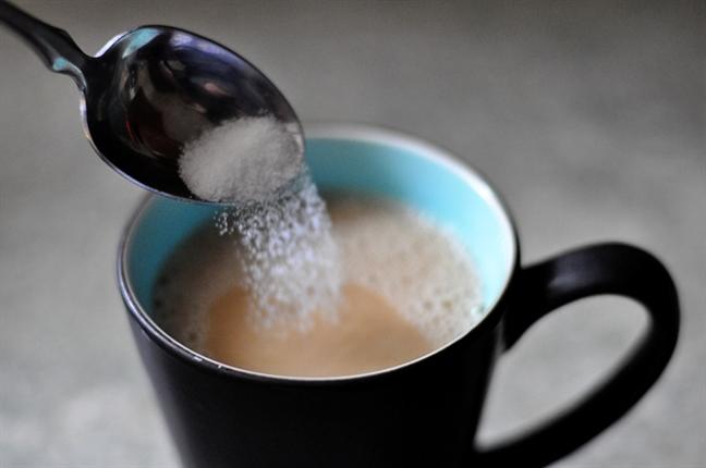 Cà phê đen và cà phê sữa, uống loại nào tốt hơn? - Ảnh 1.