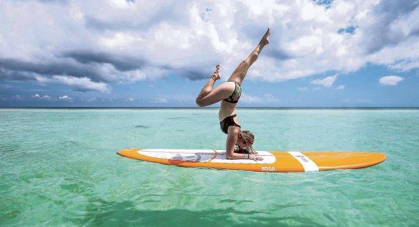 Bí mật dữ dội đằng sau tư thế trên nước tuyệt đỉnh của cô giáo yoga hot nhất thế giới - Ảnh 11.