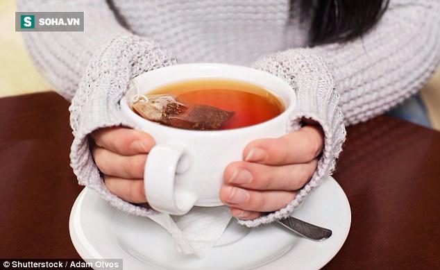 Uống trà và cà phê ngay sau bữa ăn: Sai lầm chí mạng như hầu như ai cũng mắc - Ảnh 1.