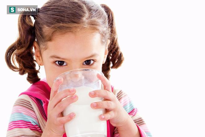Sữa rất tốt, nhưng những cách uống sữa sai lầm sau đây lại gây hại lớn cho sức khỏe - Ảnh 1.