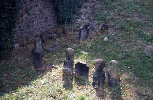 Lý giải được bí ẩn của những ngôi mộ cổ ở Pompeii - Ảnh 1.