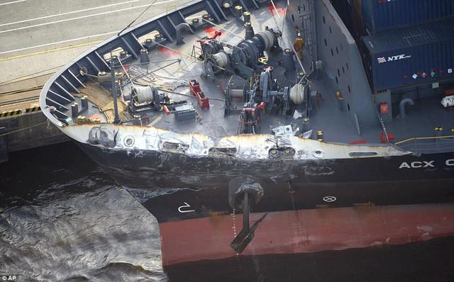 Đâm hỏng tàu khu trục Mỹ, chủ tàu hàng phải bồi thường 2 tỷ USD? - Ảnh 2.