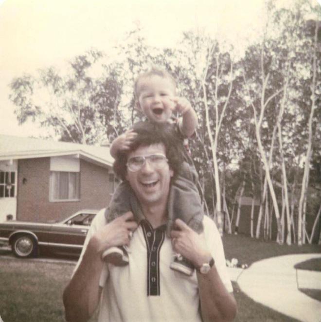 Mẹ đông lạnh tinh trùng của con trai ngay từ khi còn thiếu niên, 22 năm sau điều kỳ diệu đã xảy ra - Ảnh 1.