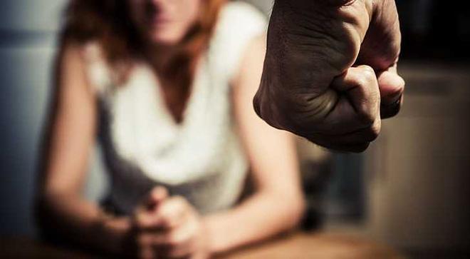 Nhiều phụ nữ được cứu nhờ hình ảnh dấu chấm đen trong lòng bàn tay, ý nghĩa của nó rất nhân văn - Ảnh 1.
