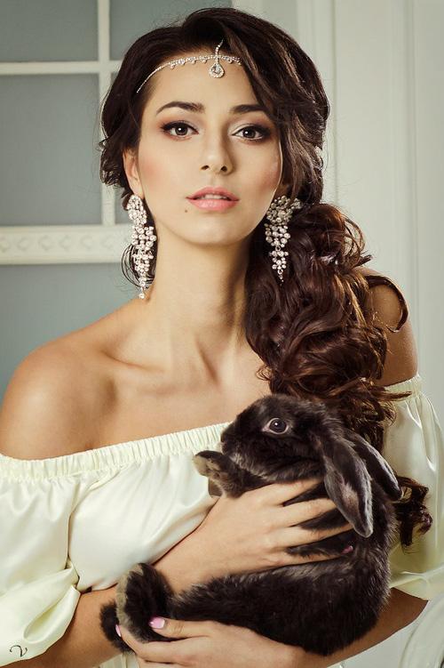 Vẻ đẹp siêu mẫu Nga bị tố phá vỡ hạnh phúc nhà James Rodriguez - Ảnh 2.