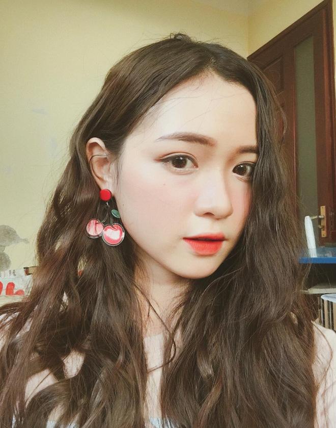 Nữ sinh làm mẫu ảnh hot nhất Nghệ An: 11 năm liền luôn là học sinh giỏi - Ảnh 1.