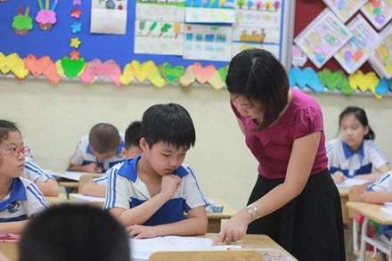 Bộ trưởng Phùng Xuân Nhạ: Chấm dứt ngay việc dạy chữ cho trẻ trước khi vào lớp 1 - Ảnh 1.