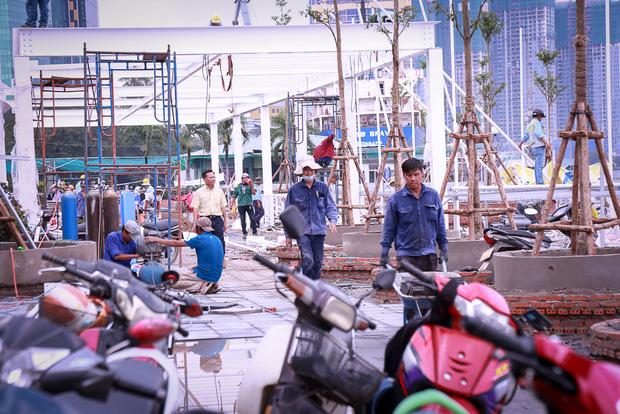 Cận cảnh bến buýt đường sông đầu tiên ở Sài Gòn sẽ hạ thủy vào tháng 9 - Ảnh 2.