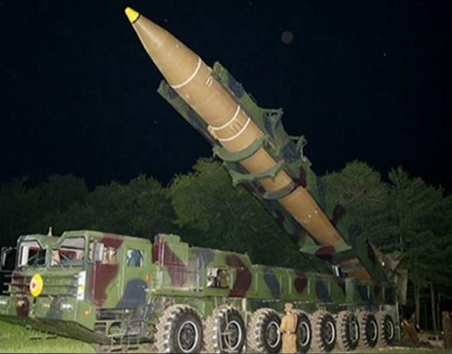 Bắc Kinh lập tức tăng trừng phạt Triều Tiên sau điện đàm Mỹ-Trung - Ảnh 1.