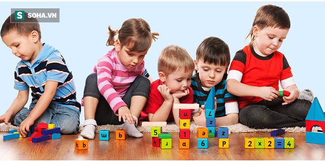 Trẻ có thể bị yếu xương, teo não, chậm trao đổi chất nếu bố mẹ mặc kệ con bỏ bữa ăn này - Ảnh 2.
