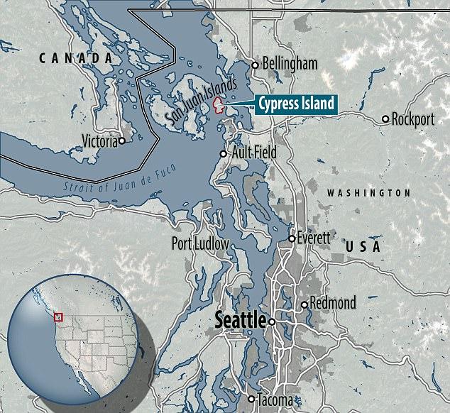 Lý giải nguyên nhân hiện tượng lạ: 5.000 con cá hồi sổng lưới sau nhật thực ở Mỹ - Ảnh 1.