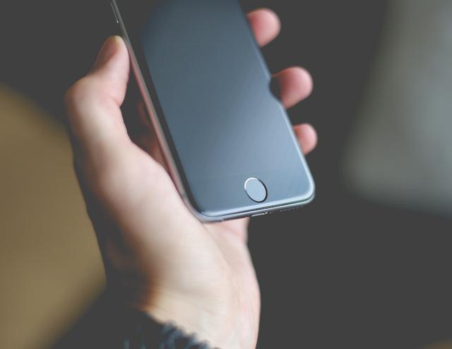 Đừng dại mà mua iPhone lúc này! - Ảnh 1.