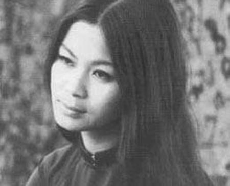 Sao Việt làm mẹ khi chưa được 20 tuổi: Người tìm được bến đỗ yên bình, kẻ vẫn khuê phòng lẻ loi - Ảnh 1.