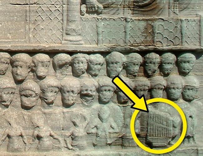 Những hình ảnh chứng minh sự thật khó tin về xuyên không thời cổ đại - Ảnh 3.
