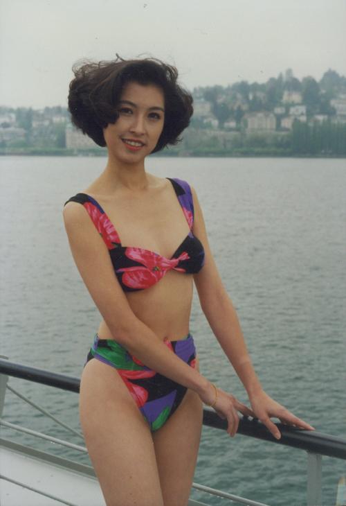 20 năm bên nhau không con cái, Hoa hậu xấu nhất Hong Kong vẫn được chồng yêu thương trọn vẹn - Ảnh 2.