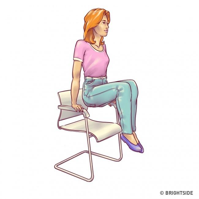 Chỉ cần 1 chiếc ghế có thể đánh tan mỡ bụng nhờ 7 bài hiệu quả không kém đến phòng tập - Ảnh 5.
