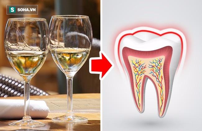 Nếu bạn vẫn làm những việc này hàng ngày thì đừng hỏi tại sao bị sâu răng, viêm lợi - Ảnh 1.